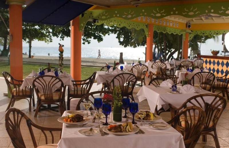 Dining at Grand Pineapple Beach.