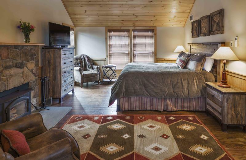 Cabin Bedroom At The Mountain Top Inn Resort