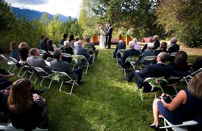 Wedding at Cedar House Restaurant & Chalets.