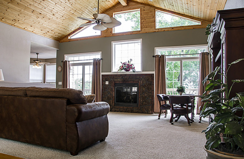 Rental living room at Branson Vacation Houses.