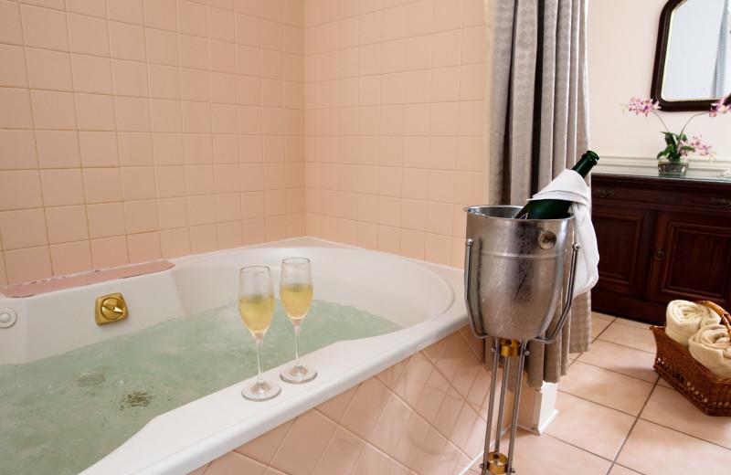 Guest bathroom at Eagles Mere Inn.