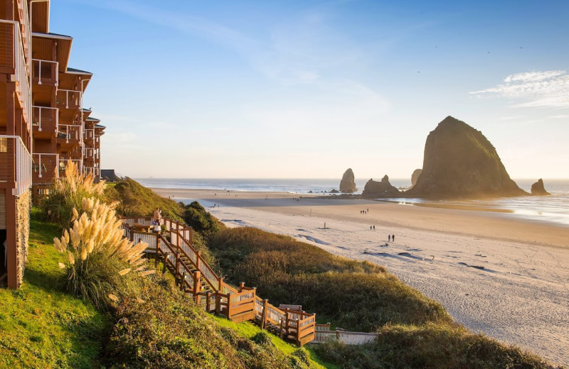 Cannon Beach Oregon Usa Hotels Oceanfront