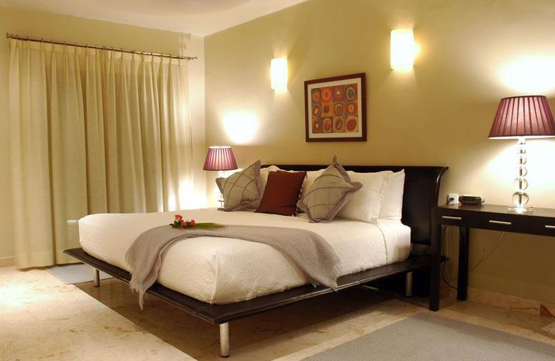 Guest room at El Taj Oceanfront & Beachside Condo Hotel.
