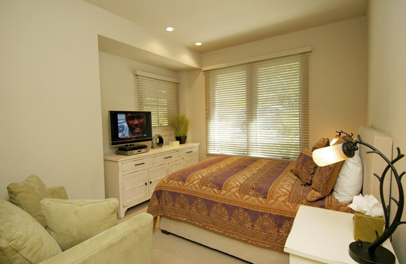 Rental bedroom at Frias Properties of Aspen.