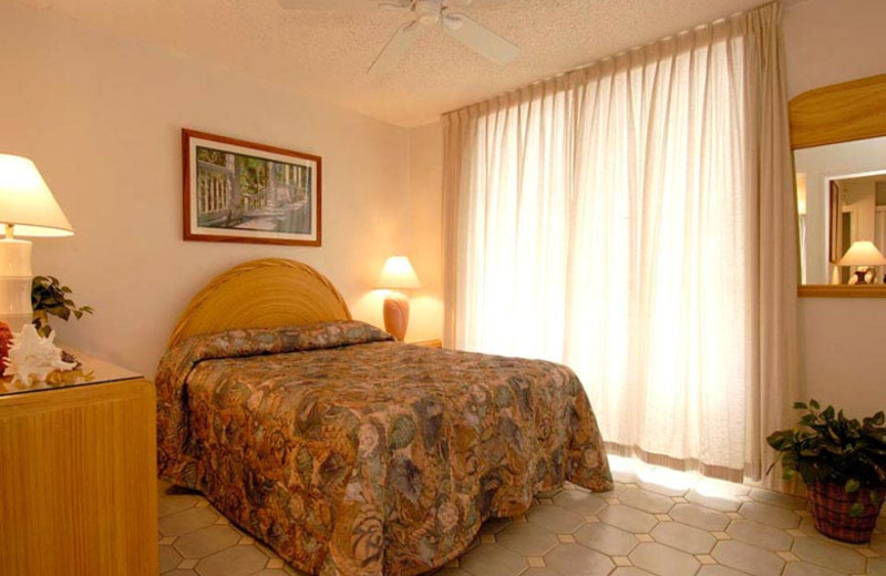 Vacation rental bedroom at Kihei Akahi.