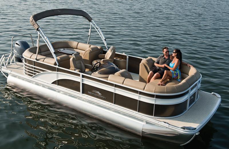 Boating at Eganridge Resort, Country Club & Spa.