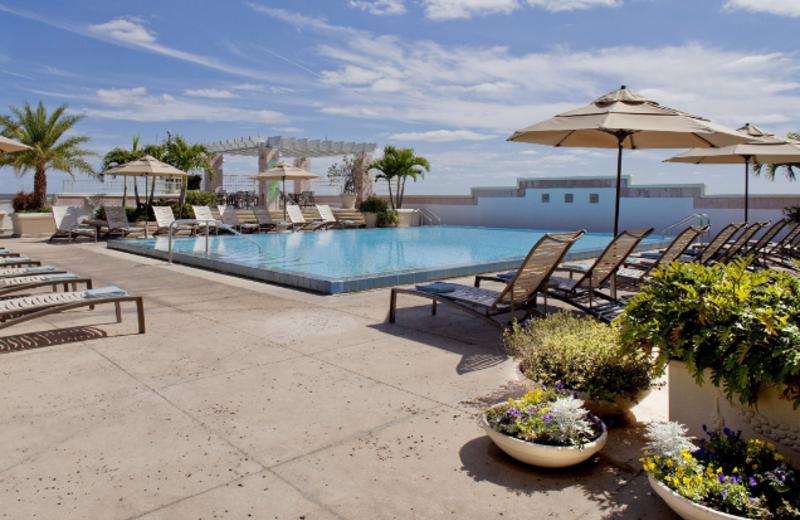 Swimming Pool at Hyatt Regency Orlando International Airport