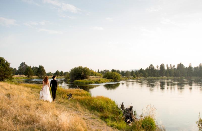 Weddings along the Deschutes River