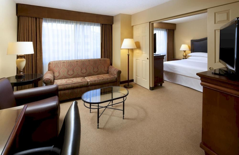 Guest suite at Sheraton Suites Fairplex.