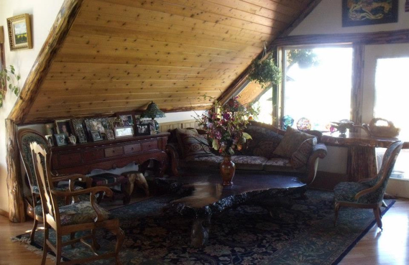 Living room at Hungry Moose Bed and Breakfast.
