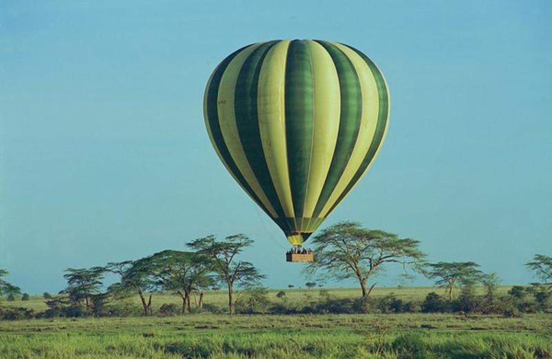 Balloon ride at Serengeti Serena Safari Lodge.