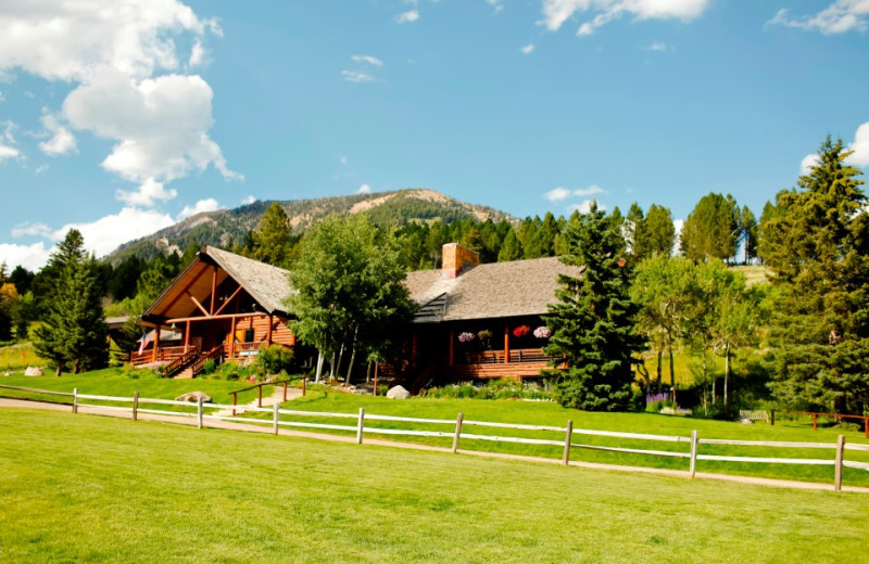 Exterior View of Lone Mountain Ranch