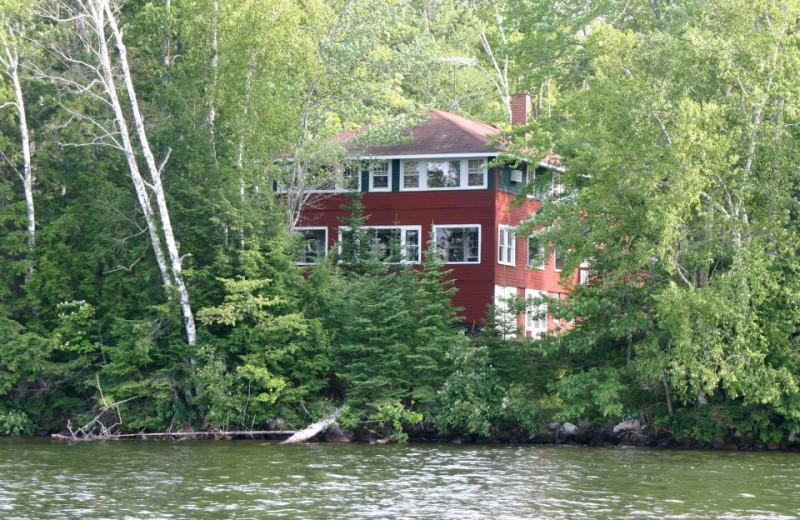 Lake home rental at Lakewoods Resort.