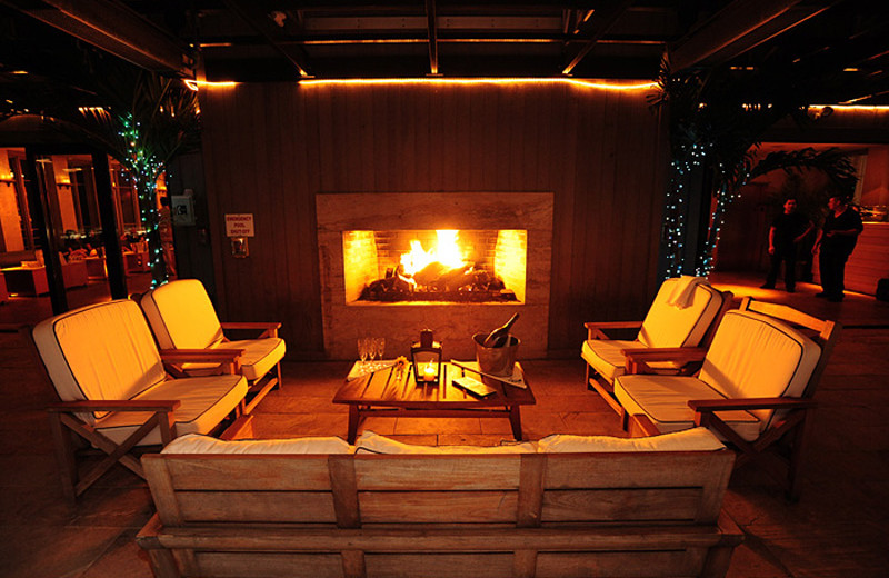 Fireplace lounge at Avenue.