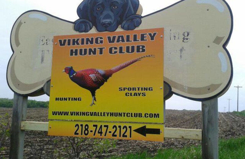 Viking Valley Hunt Club sign.
