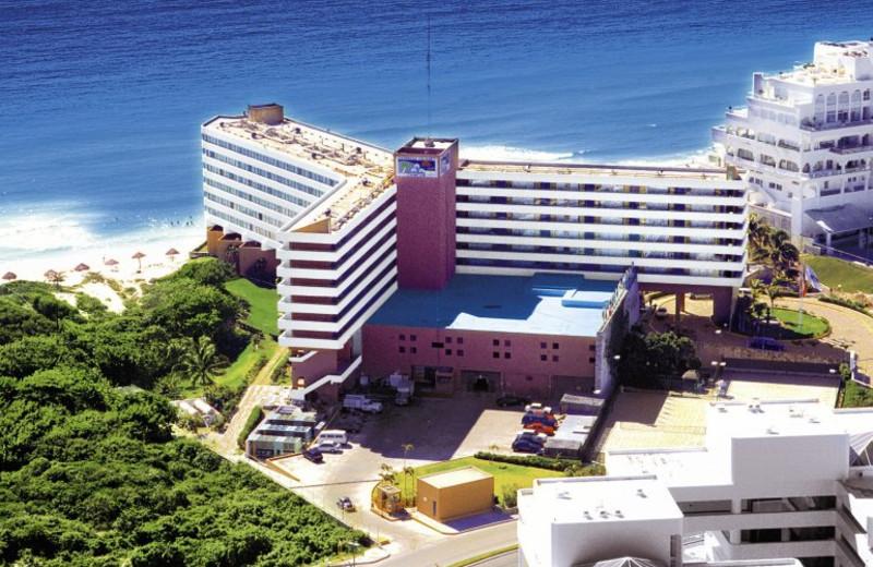 Exterior view of Caribbean Village Cancun.
