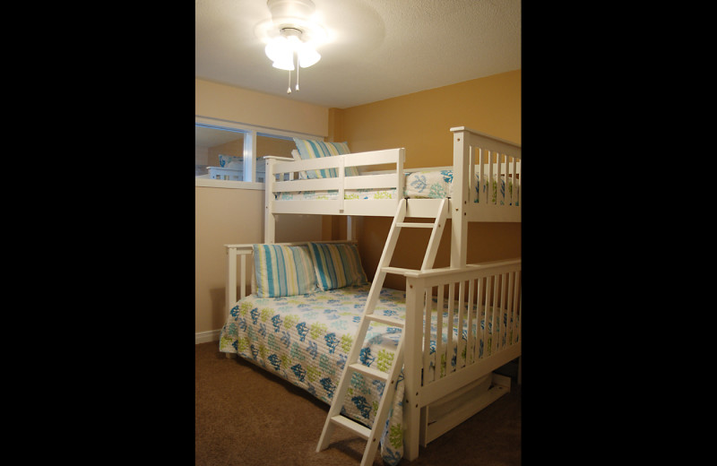 Guest bedroom at Island House Beach Front Condominiums.