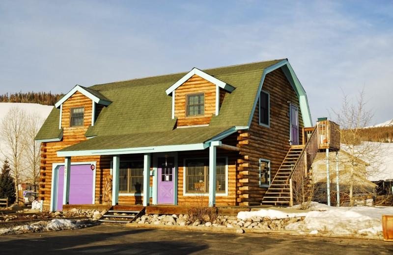 Rental exterior at Twin Season Vacations.