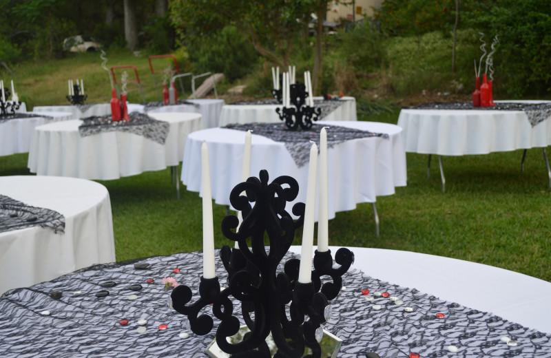 Weddings at Creekside Camp & Cabins.