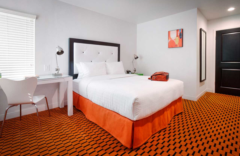 Guest room at The Sunburst Calistoga.