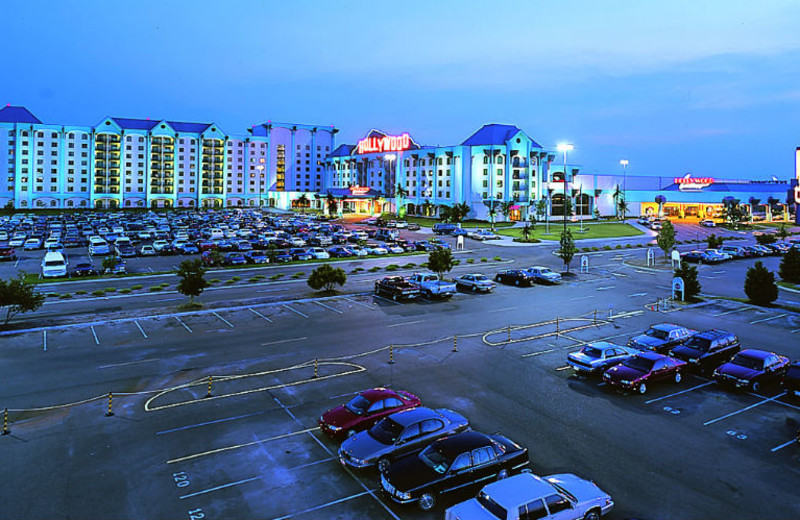 Exterior view of Hollywood Casino Tunica.