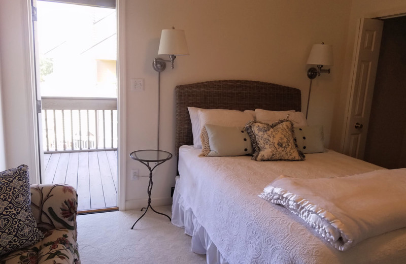 Guest bedroom at Mariners Landing.