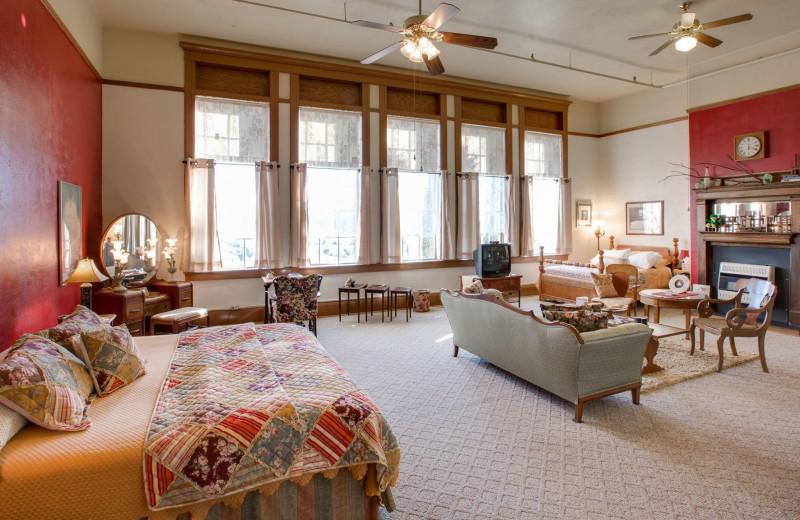 Guest room at Noftsger Hill Inn.