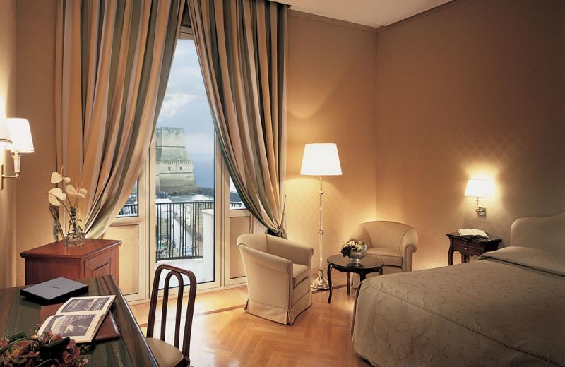 Guest room at Grande Albergo Vesuvio.