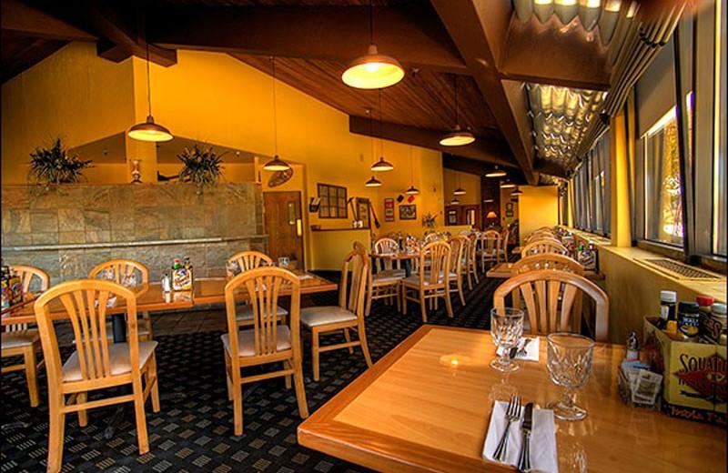 Dining room at Park City Peaks Hotel.