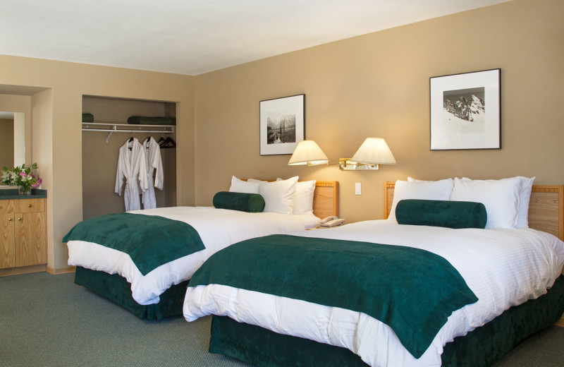 Guest room at The Lodge at Arrow Lakes.