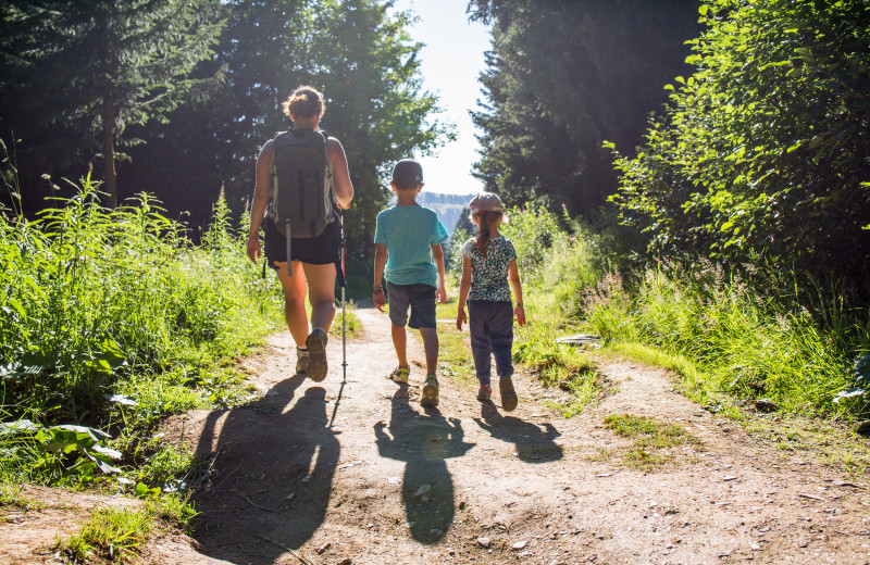 Family hiking at Windwood Fly-In Resort.