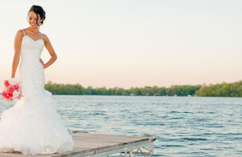 Bride at Bay Pointe Inn Lakefront Resort.