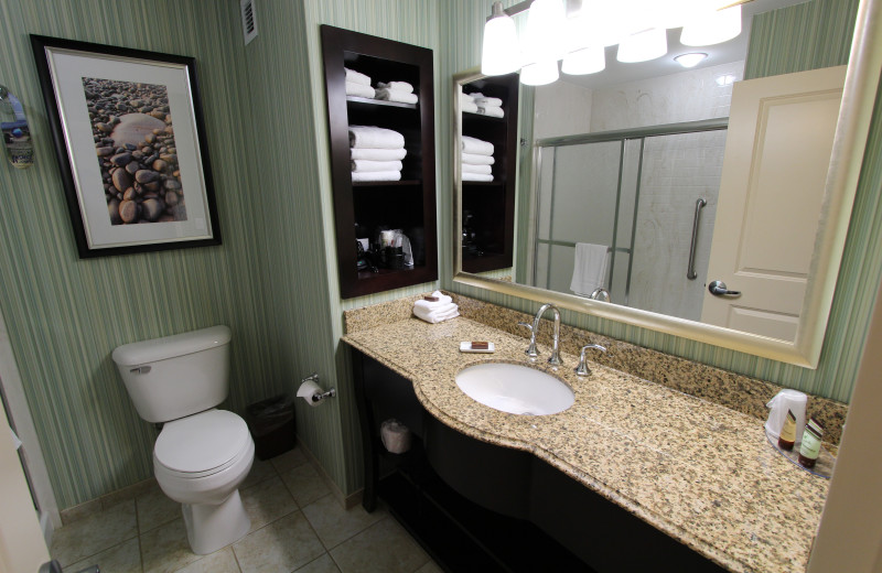 Guest bathroom at Atlantic Oceanside Hotel & Conference Center.