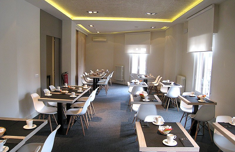Dining at Hotel Leyre.