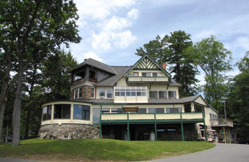 Exterior view of The Depe Dene Resort.