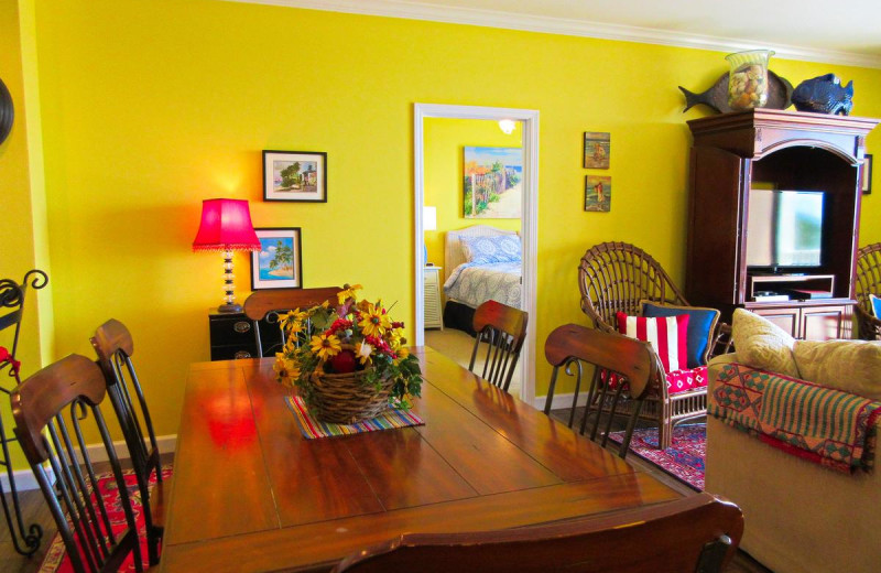 Rental dining room at Beachfront Rentals.
