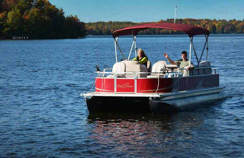 Pontoon rental on lake at North Country Vacation Rentals.