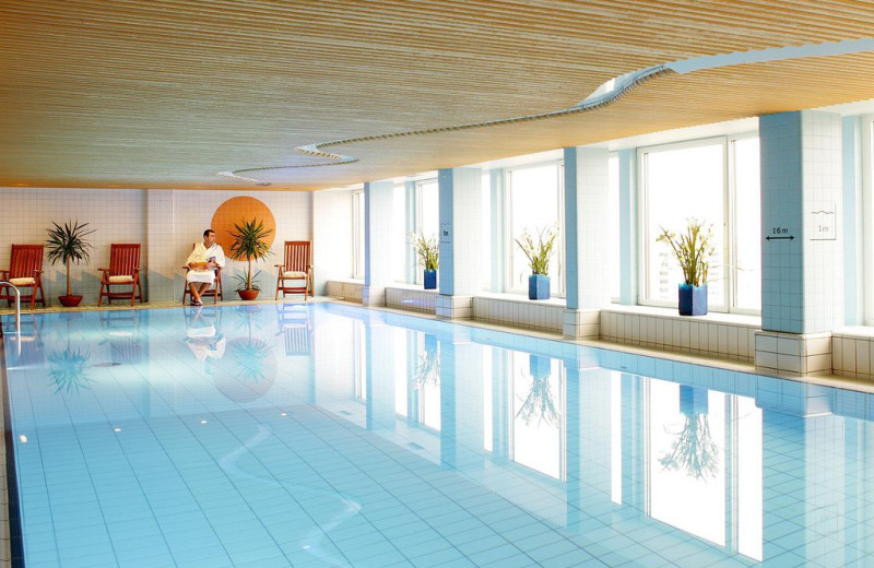 Indoor pool at Hotel Olümpia.