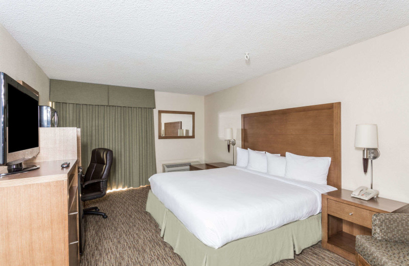 Guest room at Days Hotel Peoria Glendale Area.