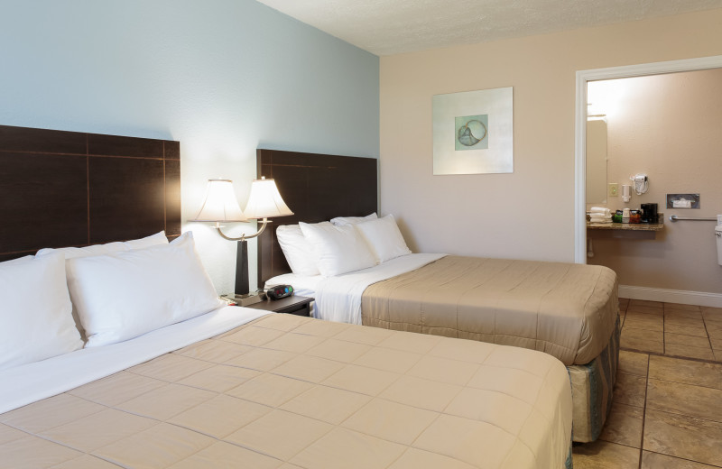 Guest room at Southern Oaks Inn.