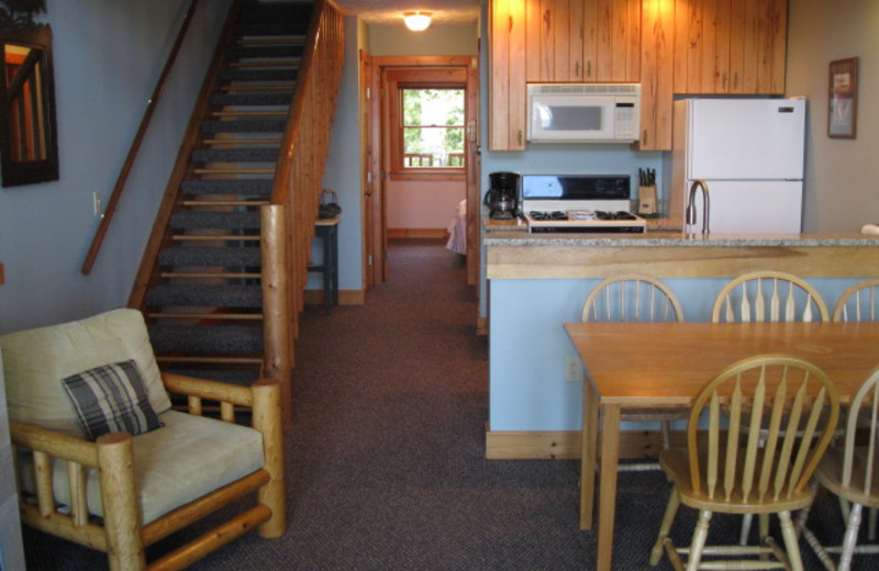 Guest room at Glen Craft Marina and Resort.