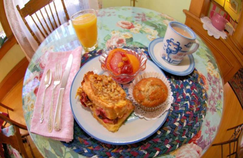 Breakfast at White Lace Inn.