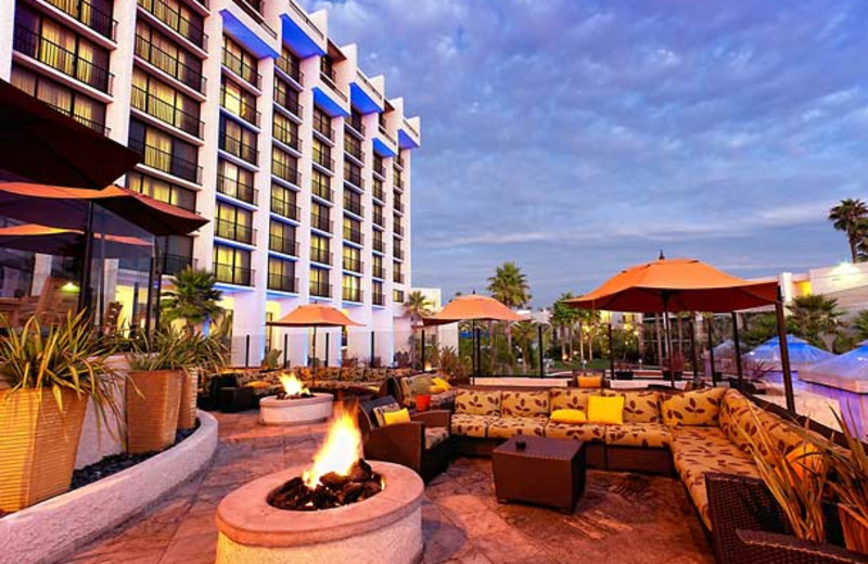 Fireplace patio at Newport Beach Marriott Hotel & Spa.