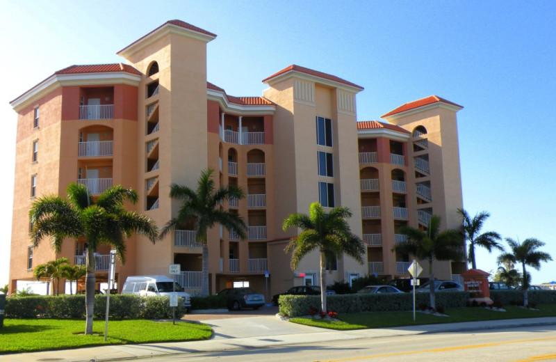 Resort exterior at Sunsational Beach Rentals. LLC.