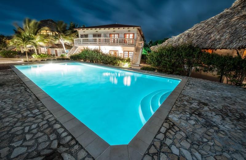 Outdoor pool at Jaguar Reef Lodge.