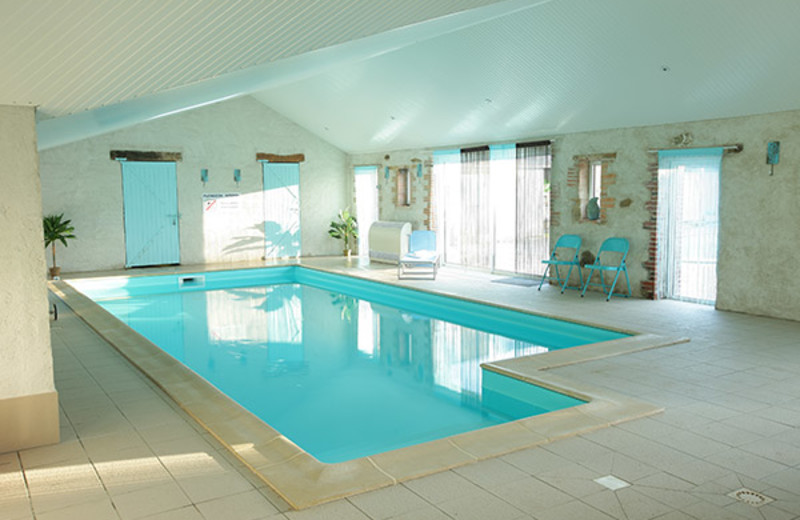 Indoor pool at Château du Breuil.