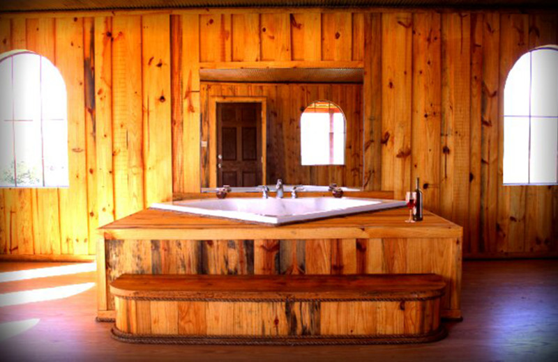 Jacuzzi cabin at Diamonds Old West Cabins.