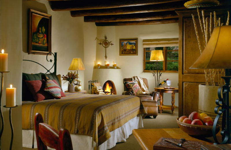 Guest room at La Posada de Santa Fe Resort & Spa.