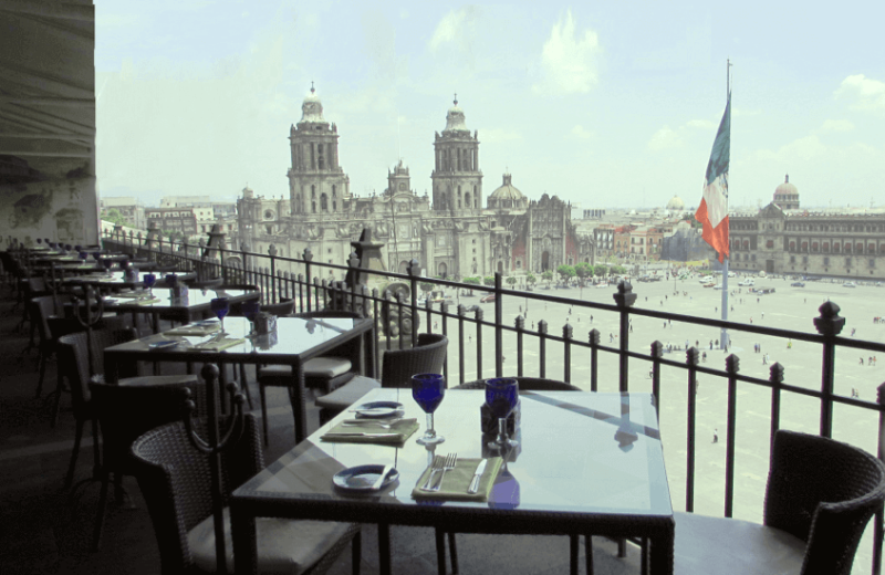 Dining at Gran Hotel Ciudad de Mexico.