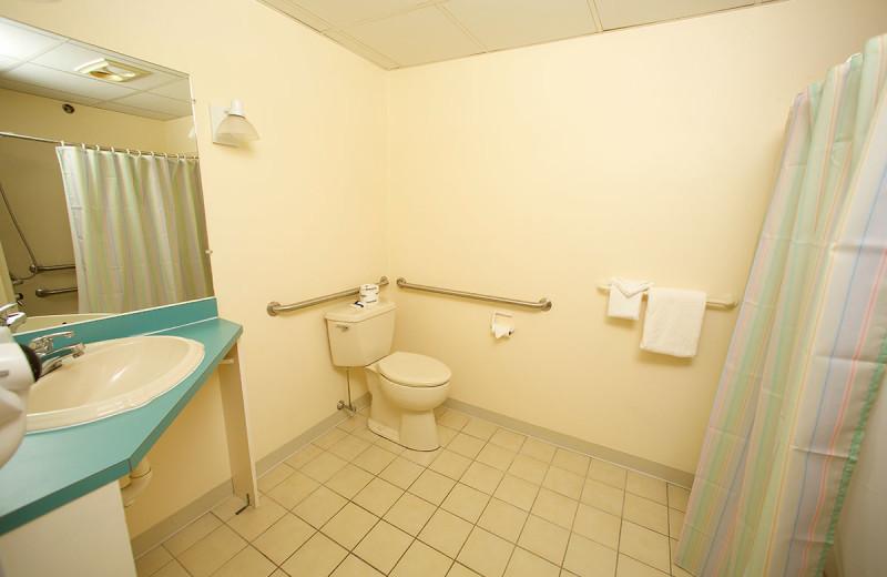 Guest bathroom at Anchorage Inn.